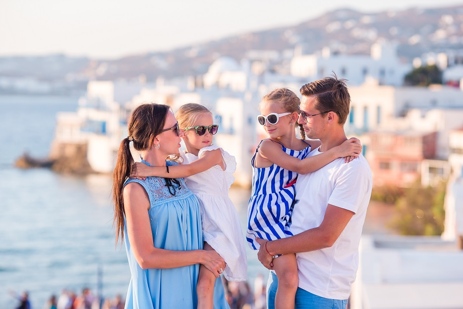 نصائح السفر مع الأطفال- إيجابيات وسلبيات السفر مع الأطفال