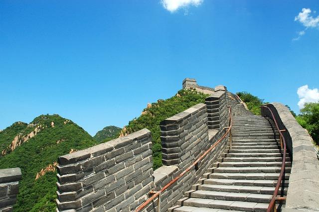 سور الصين العظيم، أحد أشهر المعالم السياحية في بكين والعالم