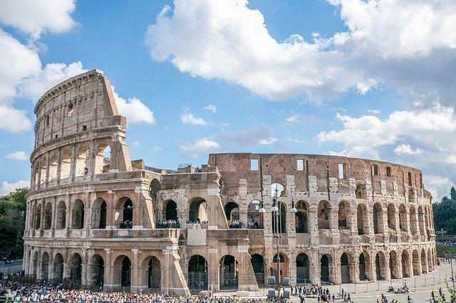 الكولوسيوم أهم المزارات السياحية في روما، إيطاليا