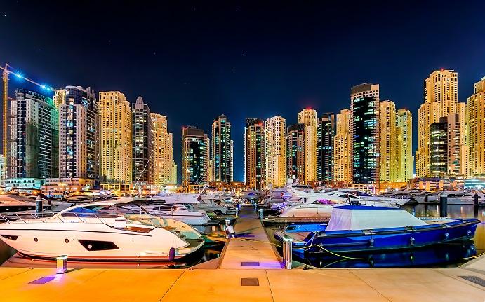 تتميز دبي بأسلوب حياة يتسم بالرفاهية العالية والفخامة