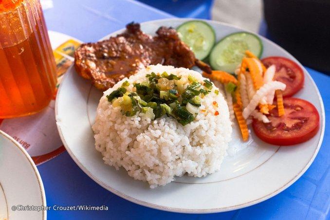 أشهر المأكولات الفيتنامية