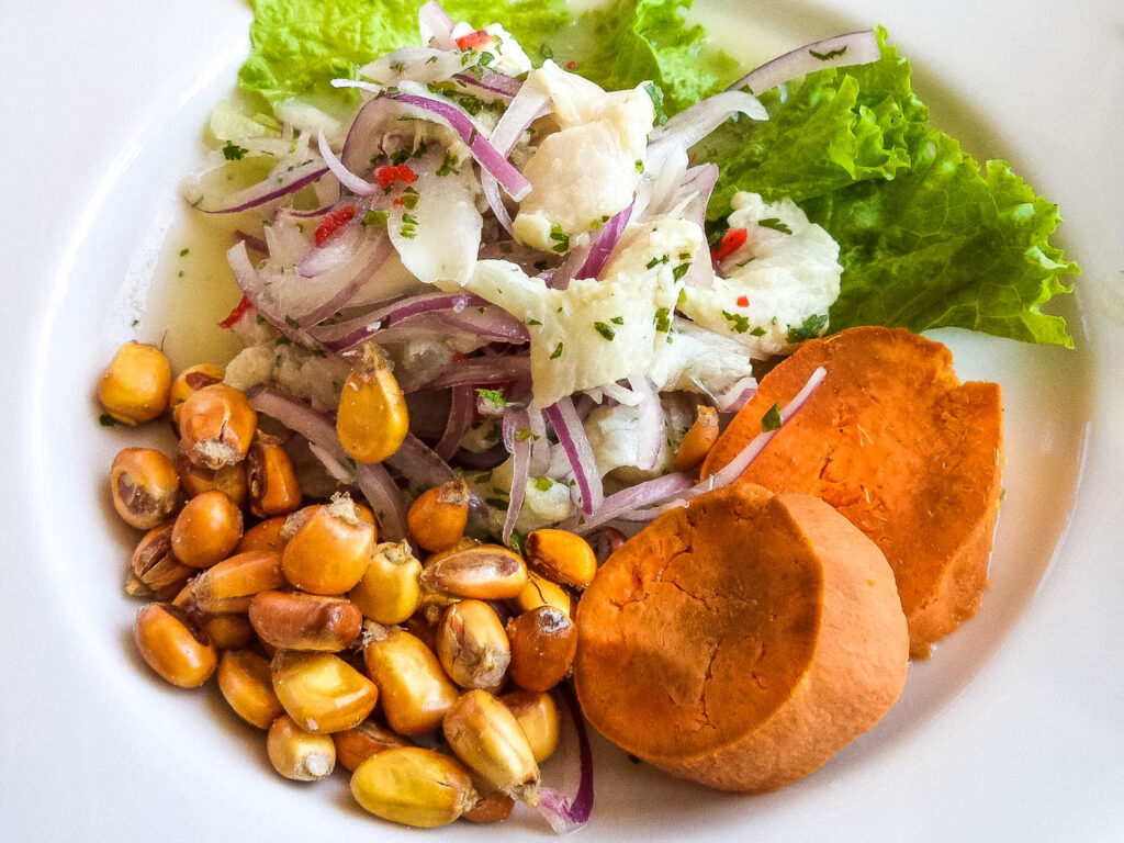اشهر الأكلات في بيرو والتي ينبغي على السياح تجربتها