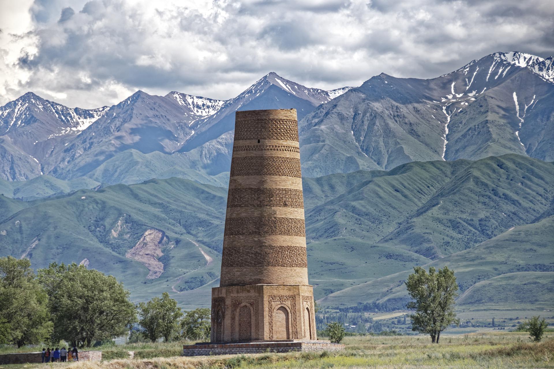 السياحة في قيرغيزستان- أهم المزارات السياحية وأشهر الأكلات