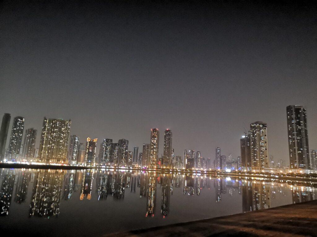 صور أجمل الأماكن السياحية في مدينة الشارقة- كورنيش الشارقة