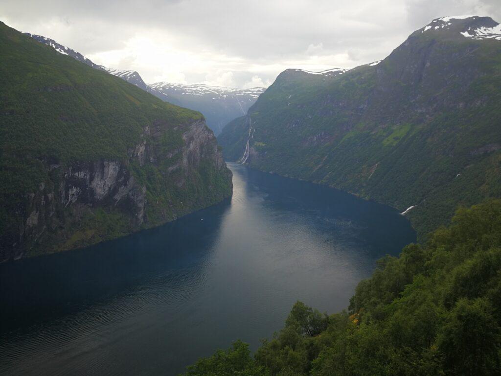 رحلة بحرية إلى مضيق جيرانجير في النرويج